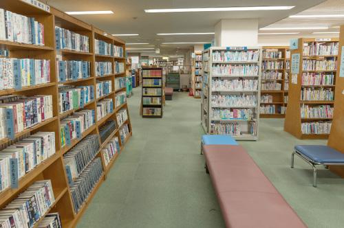 博多図書館